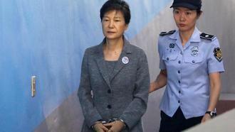 Park Geun-Hye, expresidenta de Corea del Sur, condenada a 24 años de cárcel por corrupción