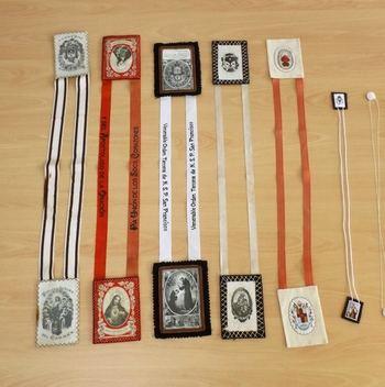 Exposición de 'Escapularios' en la Posada del Cordón de Atienza hasta finales de abril
