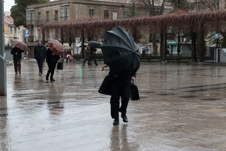Temperaturas invernales y fuertes rachas de viento el día que entra la primavera en Guadalajara