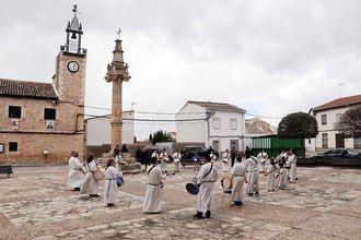 La II Tamborrada de Viernes Santo de Fuentenovilla retumba en La Alcarria
