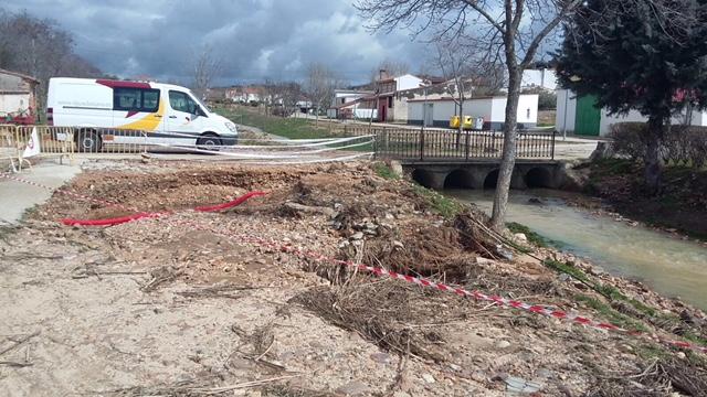 La Diputación restituye los desperfectos causados por el temporal en el arroyo de Valdenuño Fernández