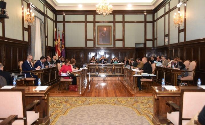 La Diputación aprueba el Presupuesto más inversor de la historia reciente con recursos propios y endeudamiento cero