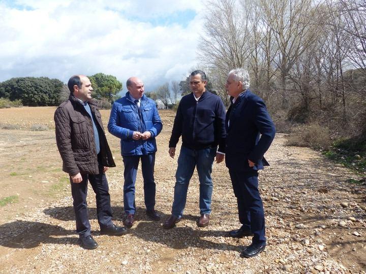 La Diputación arregla 15 kilómetros del camino que va de Valdeaveruelo a Usanos