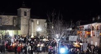 Cientos de personas participan en el Vía Crucis del Arciprestazgo de Pastrana-Mondéjar celebrado en Yebra