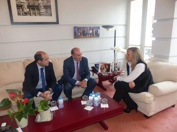 El presidente de la Diputación de Guadalajara se reúne con la consejera de Infraestructuras de la Comunidad de Madrid