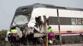 Muere el conductor de un camión tras chocar con un tren en un paso a nivel de Toledo