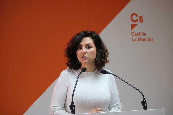 """Orlena De Miguel: """"Los castellanomanchegos lo que necesitan es estabilidad laboral, y no planes de empleo cortoplacistas como está proponiendo PSOE y Podemos"""""""