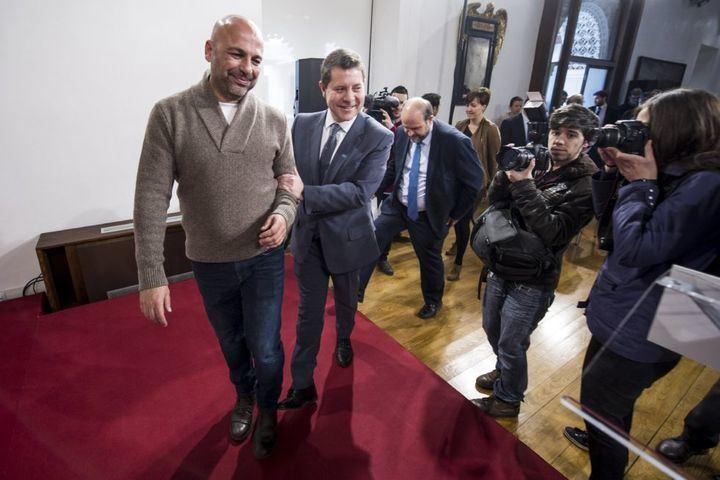 Critican que Page viaje Roma con dinero público