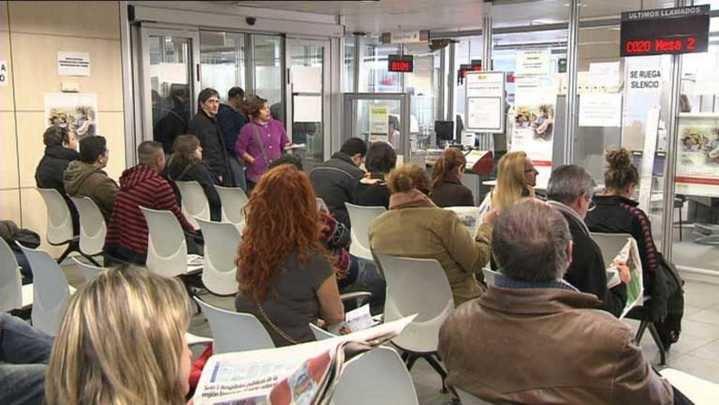 A Castilla-La Mancha no se le sienta bien el Gobierno de Page/Podemos: Cerró el primer trimestre con 6.200 parados más y una tasa de paro del 20,68%