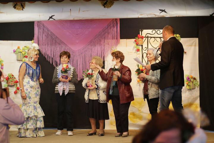 Quer cantó, bailó y disfrutó de teatro y actuaciones musicales en su III Feria de Abril