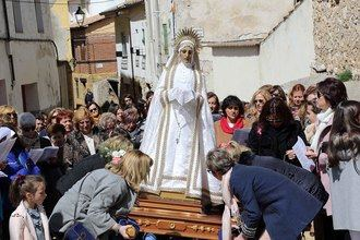 Luce el sol en la Procesión del Santo Encuentro y la Quema del Judas de Pareja