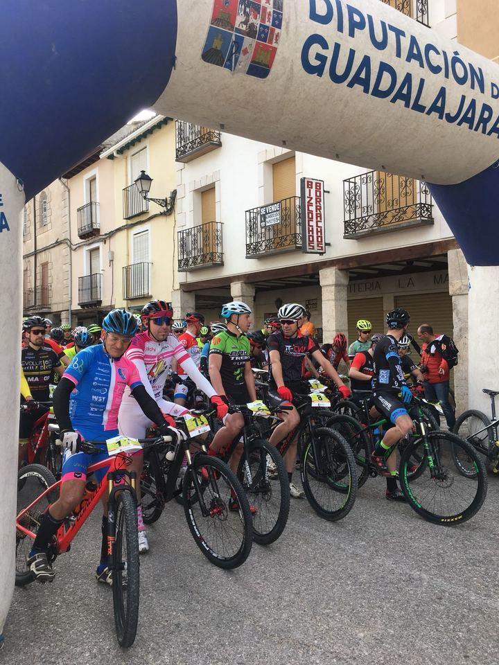 Alberto Bancora se impuso en el XI Encuentro MTB Tendilla, primera prueba del Circuito Diputación
