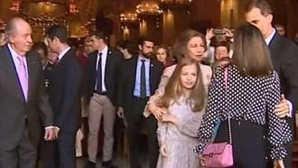 La reina Letizia y doña Sofía protagonizan un momento de tensión a la salida de misa