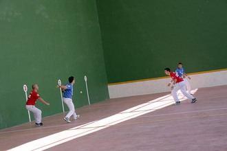 Urbieta y Bergera ganan el partido de exhibición de pelota a mano de las fiestas de Fuentenovilla