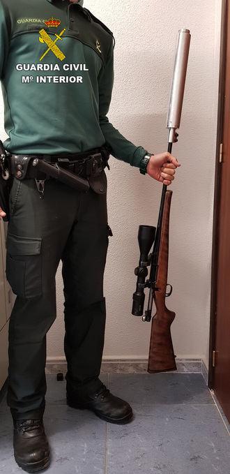 La Guardia Civil detiene a dos personas por tenencia ilícita de armas en Ciruelos del Pinar