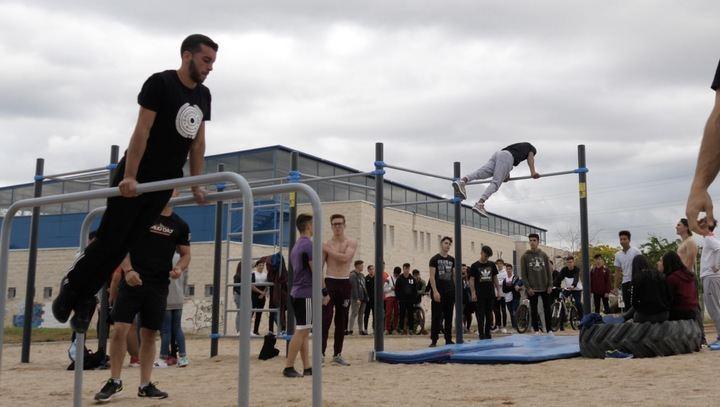 Gran exhibición en Alovera para presentar las nuevas instalaciones deportivas de pumptrack y calistenia