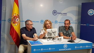 """""""Azuqueca sufre las consecuencias del abandono y la desidia del gobierno socialista, que no atiende las demandas vecinales"""""""