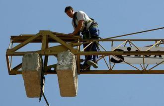 El paro baja en abril en Guadalajara en 445 personas, siendo el número de desempleados a final del pasado mes de 15.932