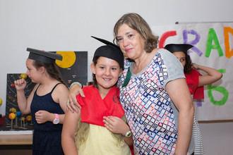 Fuentenovilla homenajea a su maestra, Beatriz Tabernero, con motivo de su jubilación