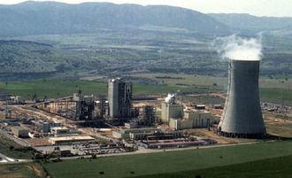 La torre de refrigeración de la antigua planta de gasificación de Elcogas en Puertollano será demolida este jueves