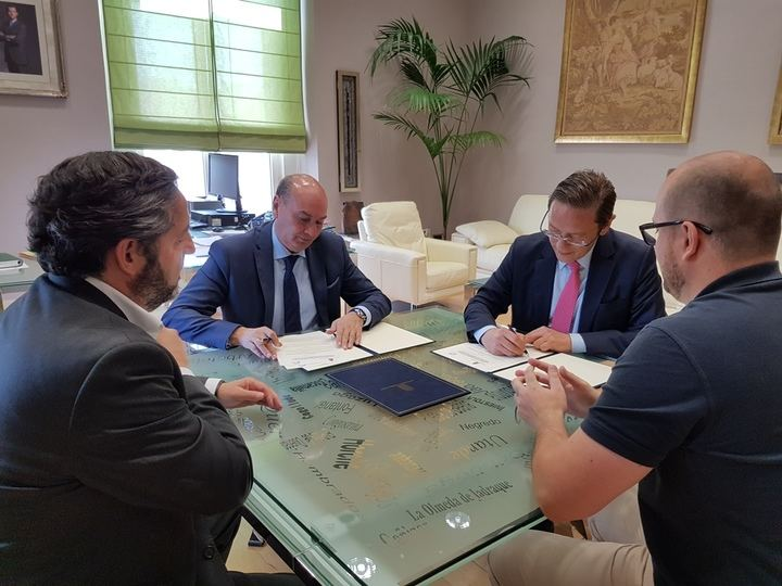 La Diputación colabora con el Club Balonmano Guadalajara con 22.000 euros