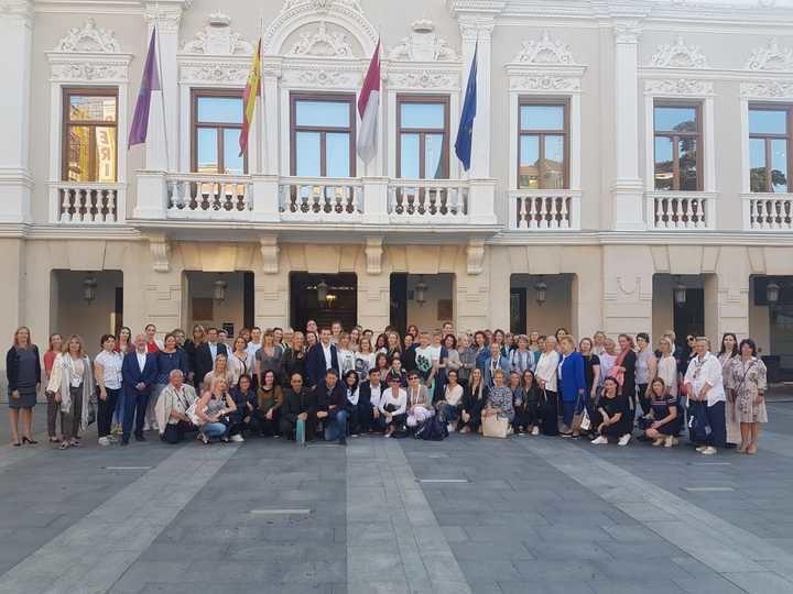 Representantes de la Unión Europea de Gimnasia visitan Guadalajara y son recibidos en el Ayuntamiento por el alcalde