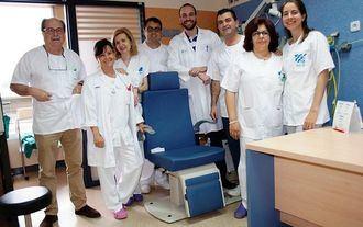 El Hospital de Puertollano realiza por primera vez una intervención para implantar una prótesis fonatoria a una paciente laringectomizada