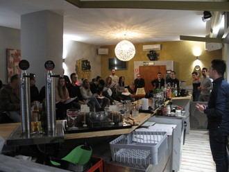 La Federación de Turismo imparte un curso para la preparación de cócteles
