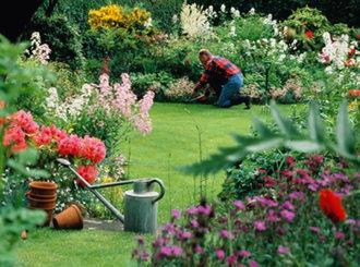A los jardineros municipales de Cabanillas
