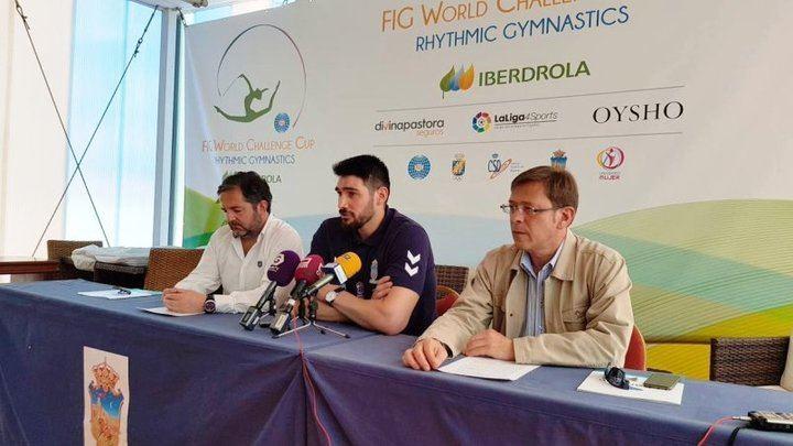 """Un mecenas """"anónimo"""" paga la renovación de Javi García en el Quabit Balonmano Guadalajara"""