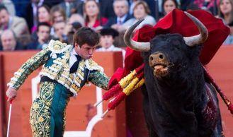 El Juli la lía en la Maestranza de Sevilla: 4 orejas, un toro llamado Orgullito, de Garcigrande, indultado y...¡la Puerta del Príncipe!