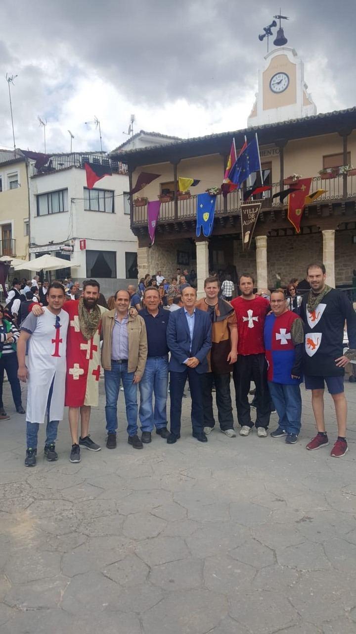 El subdelegado del Gobierno, Juan Pablo Sánchez Sánchez-Seco, visita la Feria Medieval de Auñón