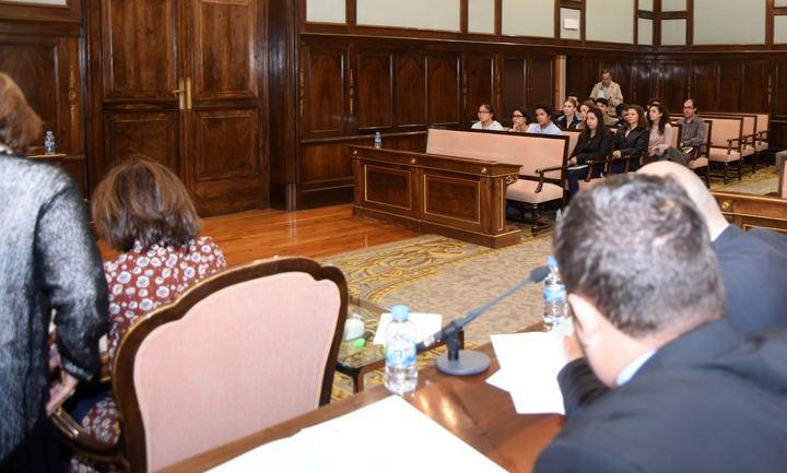 Un grupo de estudiantes del IES de El Casar visitan el Palacio de la Diputación
