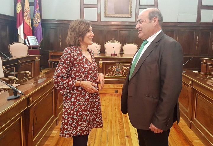 Ramírez muestra su satisfacción por la inversión en eficiencia energética aprobada en la Diputación para El Casar-Mesones