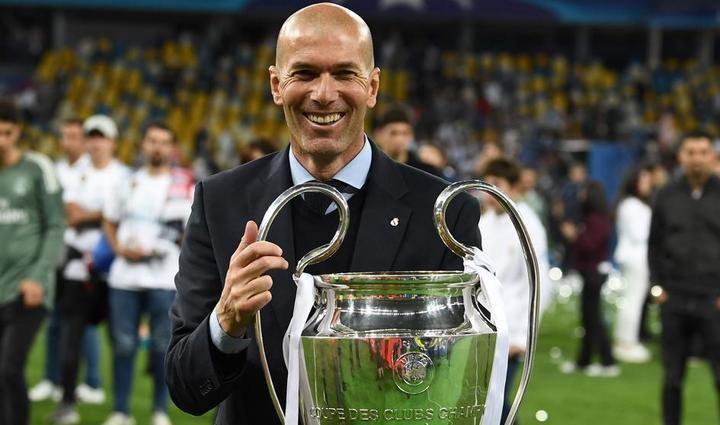 Zidane dimite como entrenador del Real Madrid