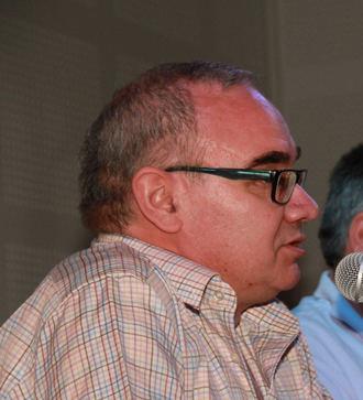 Este viernes, Aurelio García presentará en la Biblioteca de Quer su libro 'Buscando lo maravilloso'