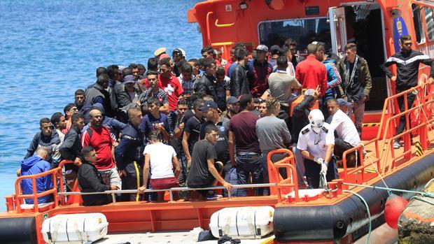 Desbordada la Guardia Civil del Campo de Gibraltar por la falta de personal para atender la avalancha de pateras y el narcotráfico