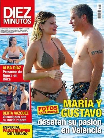 DIEZ MINUTOS Martina Klein y Álex Corretja, entregados a la pasión en Ibiza