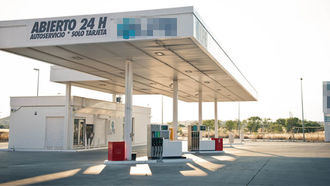 Facua critica que el Gobierno de Page respalde las gasolineras desatendidas en Castilla La Mancha
