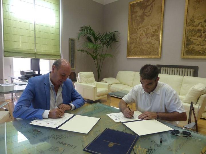 La Diputación colabora con la Asociación de Artesanos para la promoción del sector en la provincia