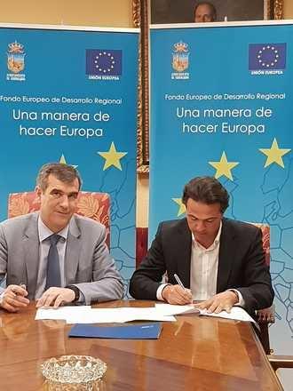 Ayuntamiento de Guadalajara y Ferrovial firman el contrato para renovar la iluminación en las instalaciones deportivas