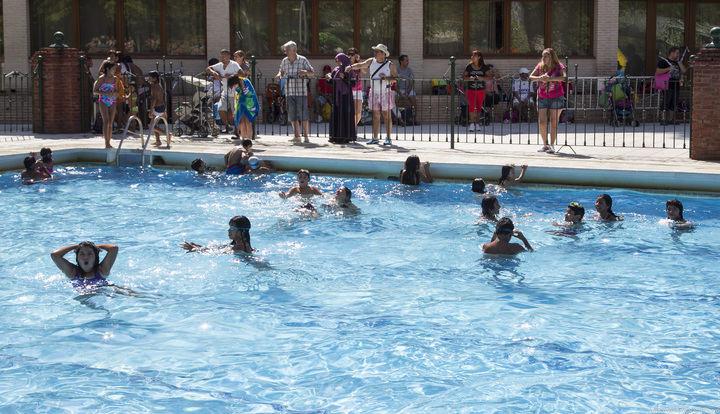 El Patronato Deportivo Municipal organiza unas jornadas de ocio lúdico deportivas en la piscina de San Roque