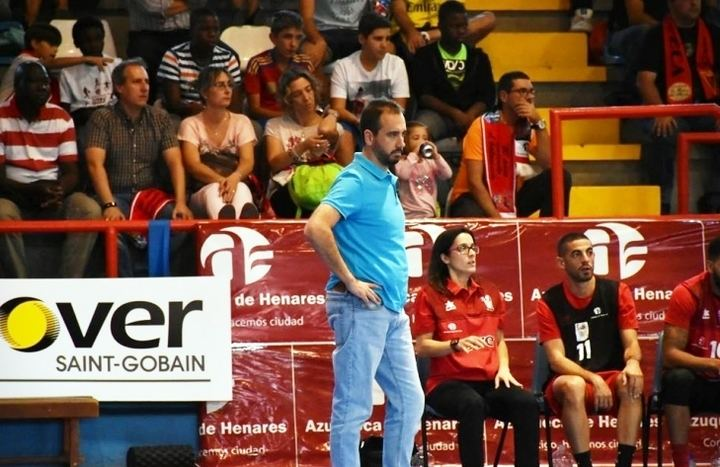 Sergio Vicente dirigirá al Isover Basket Azuqueca en su primera temporada en LEB Plata