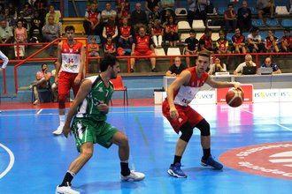 Carlos Hidalgo vuelve a LEB Plata tras renovar con el Isover Basket Azuqueca