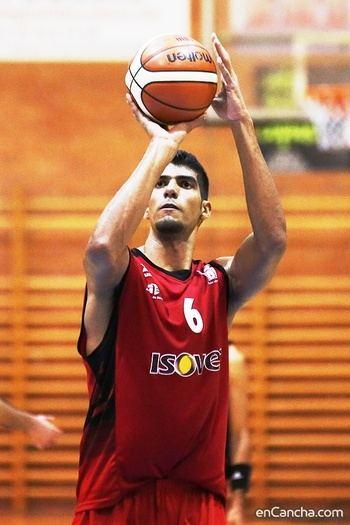 El alero venezolano Luis Varela renueva por tercera temporada seguida con el Isover Basket Azuqueca