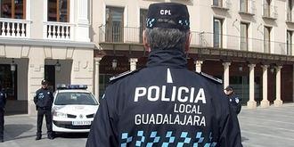 Detenida una joven de 19 años por agredir a un policía local en Guadalajara
