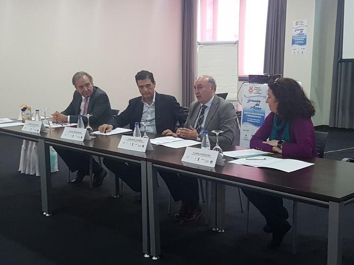 El presidente de la Diputación de Guadalajara participa en Trillo en la apertura de las jornadas del Colegio de Economistas