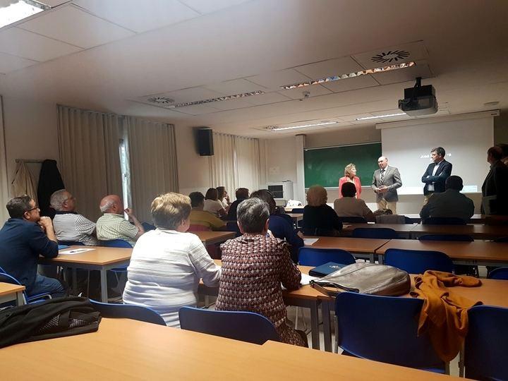 Latre asiste al inicio de uno de los Cursos de la Universidad de Mayores organizados con la ayuda de la Diputación de Guadalajara