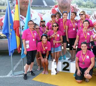 El equipo cántabro Estelas Rosas BCS consigue la medalla de plata en el Campeonato de España Dragón Boat en Trasona