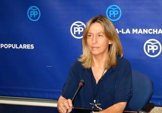 Guarinos responsabiliza a Page de 'condenar' a las pacientes de cáncer a esperar un mínimo de dos años y medio para una reconstrucción mamaria